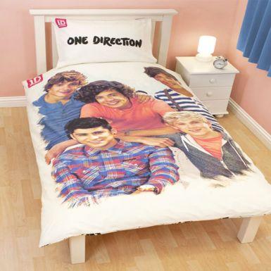 one direction bedroom set official one direction crush single bed duvet set. Black Bedroom Furniture Sets. Home Design Ideas